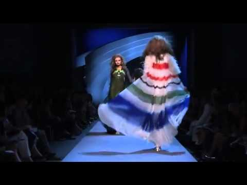 Christian Dior Haute Couture Fall/Winter 2011/2012 Full ...