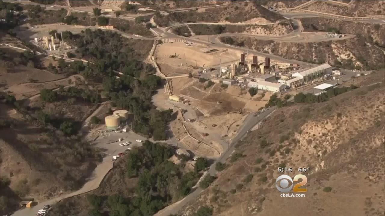 Crews Try Again To Plug Uncontained Gas Leak In Porter Ranch YouTube - Los angeles map porter ranch