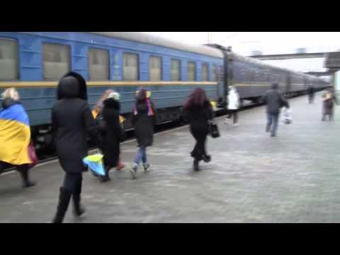 Краматорск - торжественная встреча бойца ВСУ. Виталий Ткаченко вернулся в родной город из плена