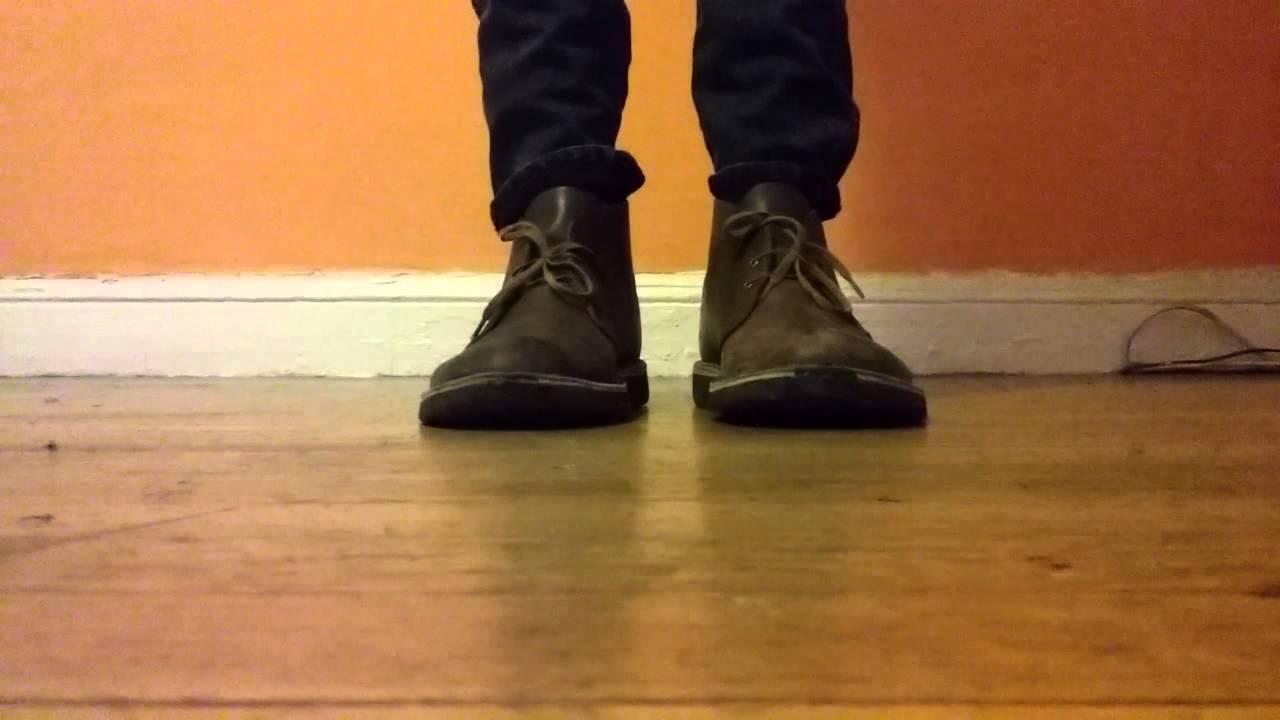 51626af168c clarks desert boots on feet