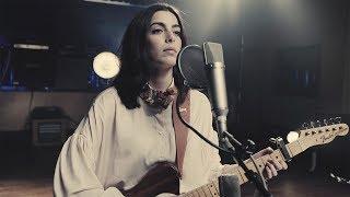 Смотреть клип Léa Paci - Sens Unique | Live