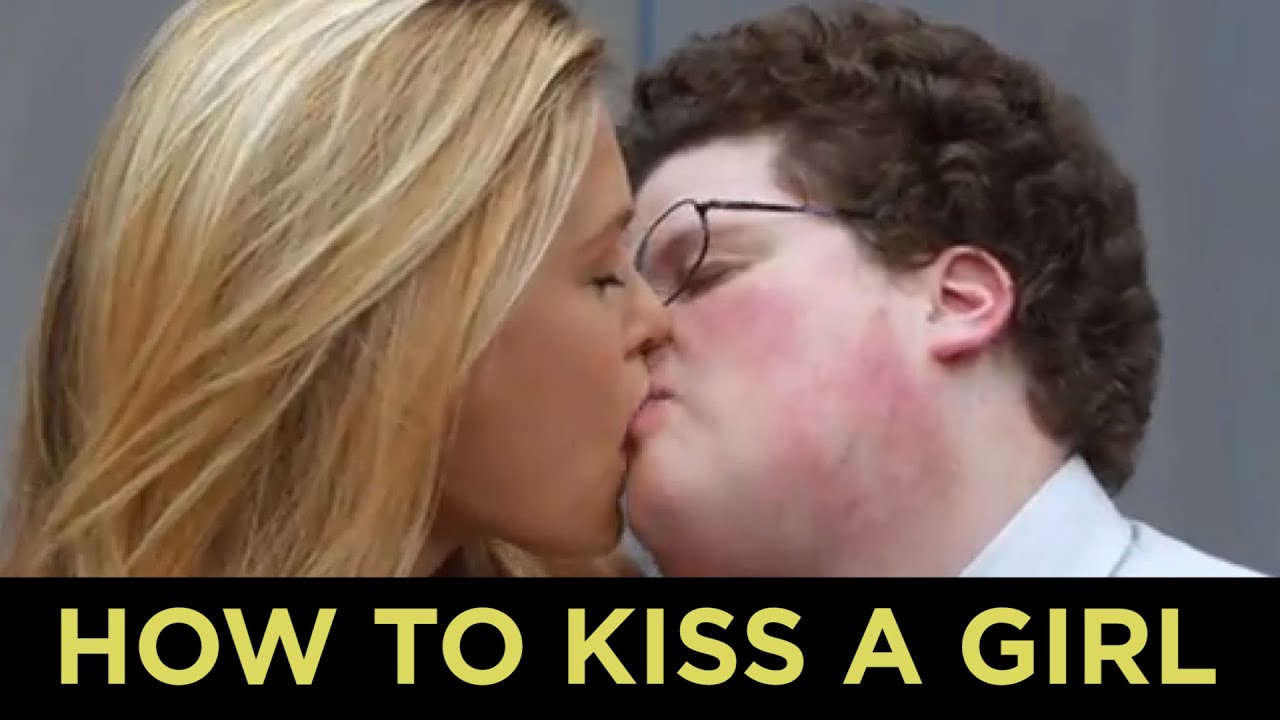 How to kiss a girl with small lips