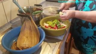 Cocinando con Gladis La Sirenita: Preparando la Masa. Tortas de pescado seco Orienteñas. Parte 1/7 thumbnail