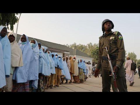 تعرف على تفاصيل عملية إطلاق سراح 279 تلميذة خطفن في نيجيريا  - نشر قبل 1 ساعة