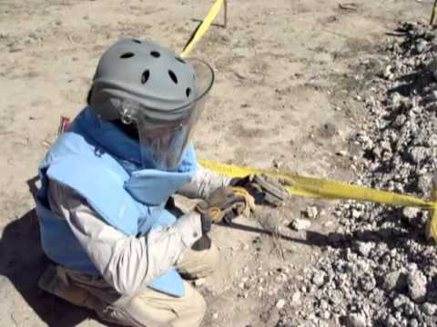 HOW TO DISARM A RUSSIAN, PMN-2, ANTI-PERSONNEL MINE
