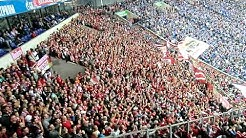 Ein Schuss ein Tor die Bayern. Auf Schalke in HD. Wir singen und tanzen auf jedem Fussballplatz !!!