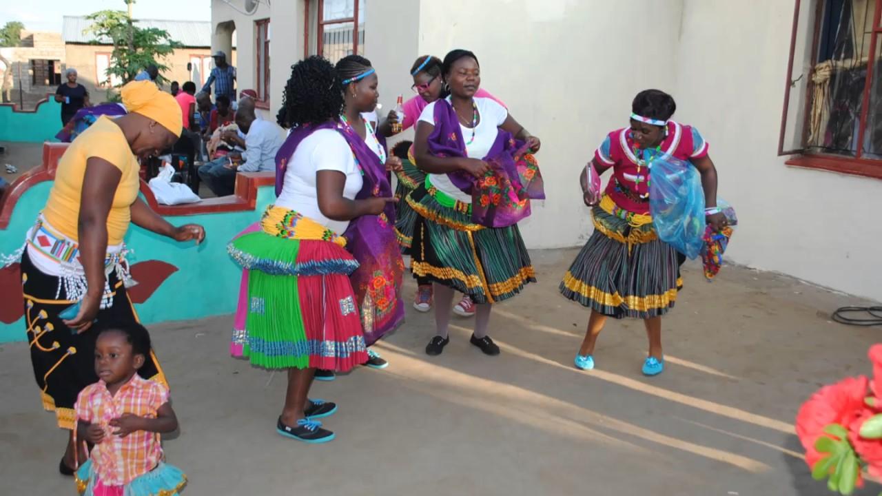 Download Snombelan sisters-Nina Nhlomulo