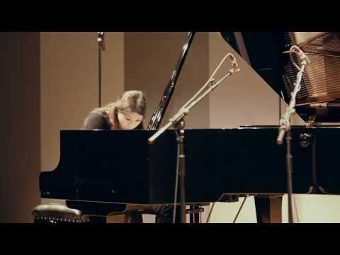 Arnold Schoenberg: Suite für Klavier op.25 (complete) - Kaori Nishii