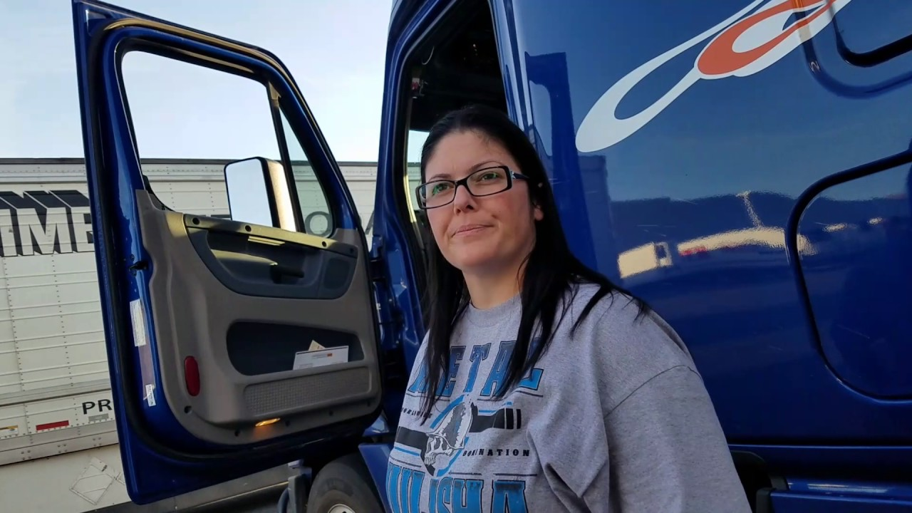 Female truckers hook up
