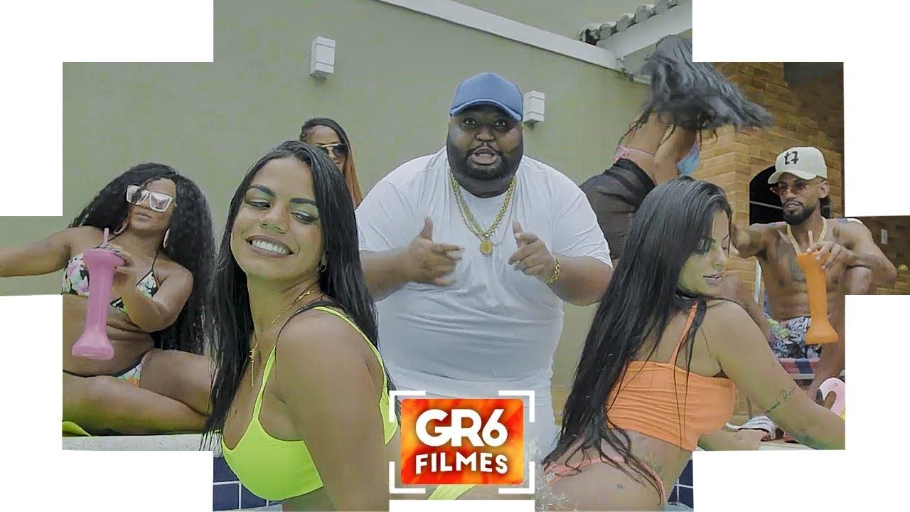 MC Kalzin - No Rio Ta Na Gaiola, Em Sampa Ela Ta No Helipa (GR6 Filmes) DJ Lindao e DJ Pedro