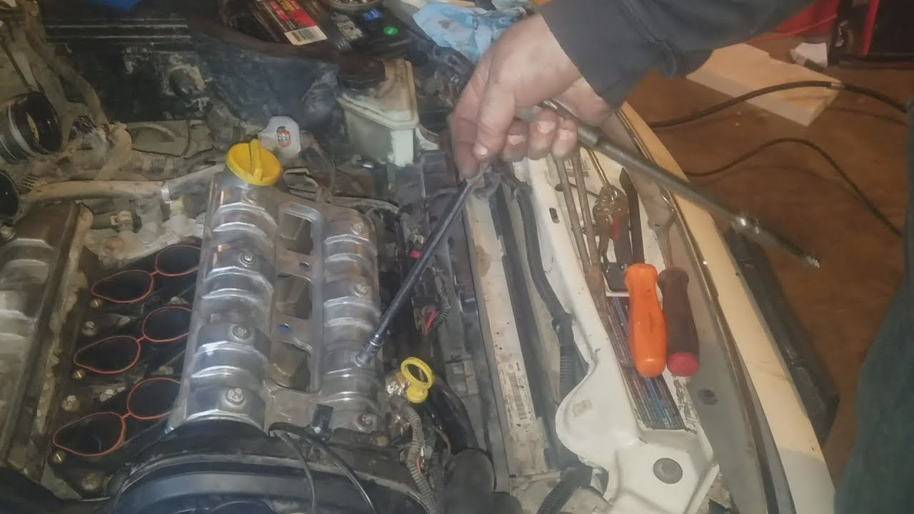 2005 saturn l300 valve cover gasket replacement [ 1280 x 720 Pixel ]