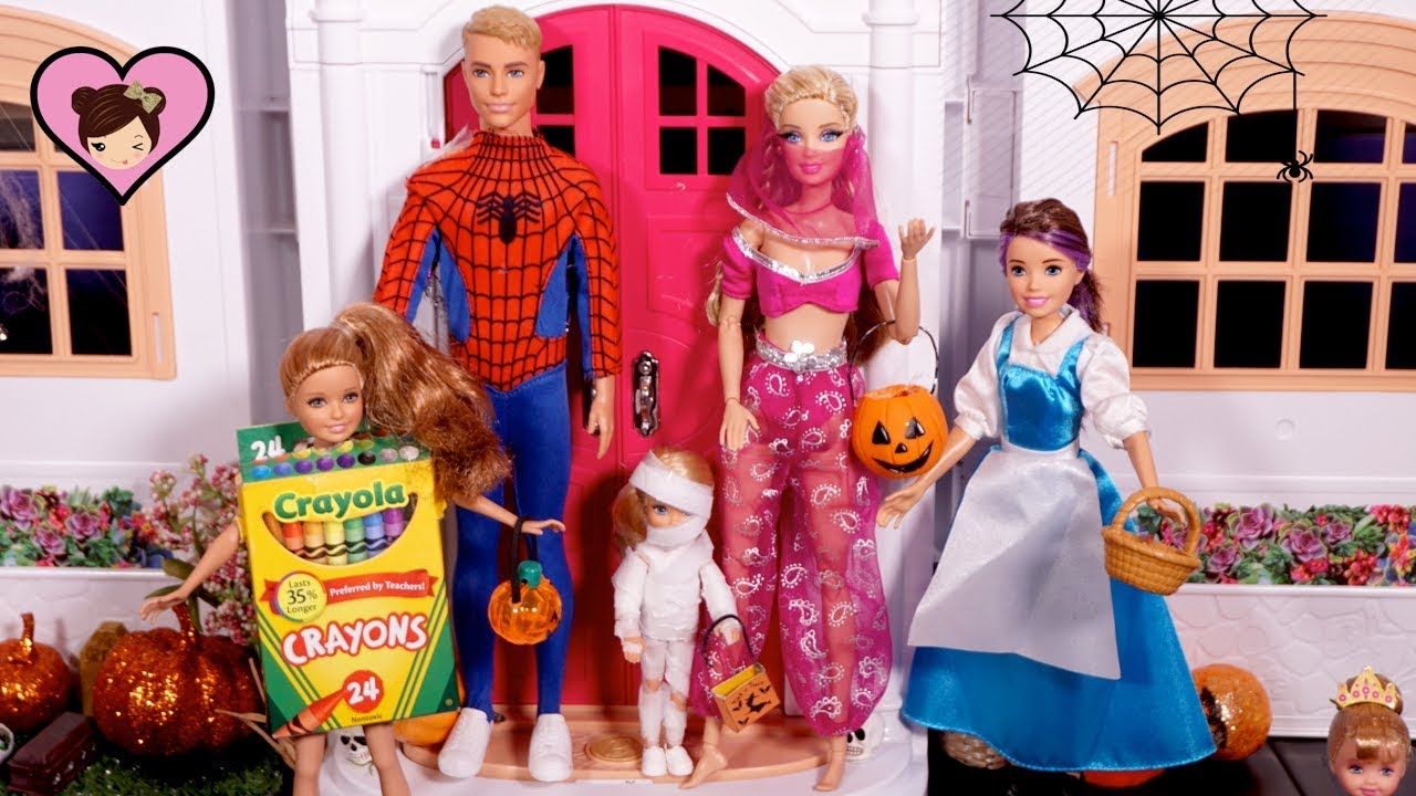 Barbie Dolls Trick or Treat Halloween Costumes - Huge Elsa & Anna Dollhouse  City! - YouTube