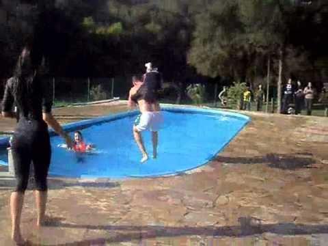 adolescentes piscina