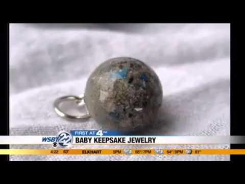 Moms First: Baby keepsake jewelry