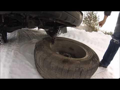 Как снять запаску на Nissan Pathfinder