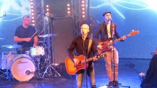 Juha Tapio - Ohikiitävää Live at Savoy
