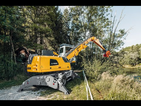 Liebherr  Efficient tree care and the wood industry with the LH 22 M Industry Litronic