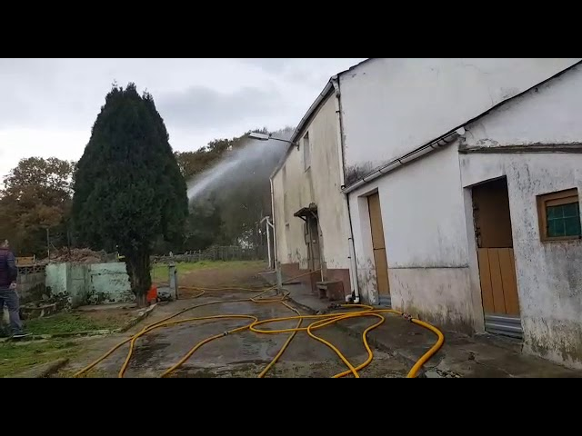 Arde una vivienda en la parroquia de Rioaveso, en el municipio de Cospeito