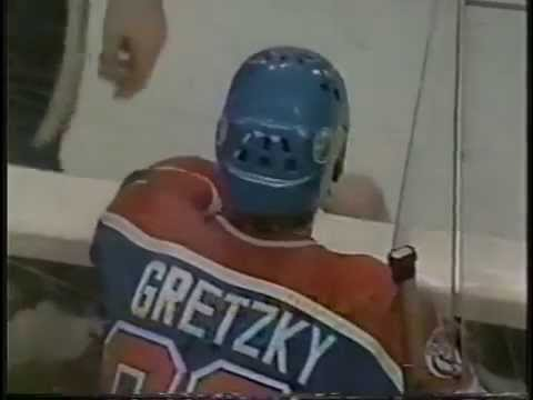 Wayne Gretzky Breaks Single-Season Goal Record (77th) - Feb.24,1982