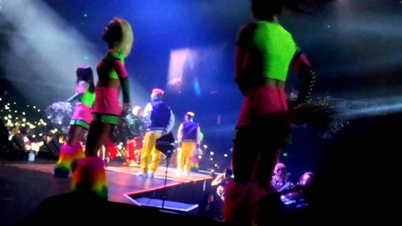 2NE1 Live Nation Concert LA 2012 - Try to Follow Me - YouTube