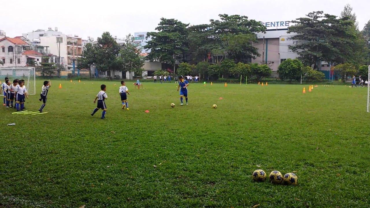Lớp dạy bóng đá trẻ em tại Bóng Đá Dương Minh Sài Gòn