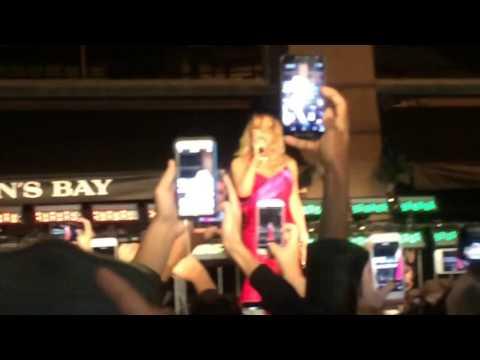 Mariah Carey Christmas Performance Live NOV 3 2016 Hudson's Bay