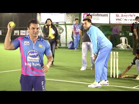 Bollywood Celebs Playing Cricket Full Video - Salman Khan's Brother, Bobby Deol