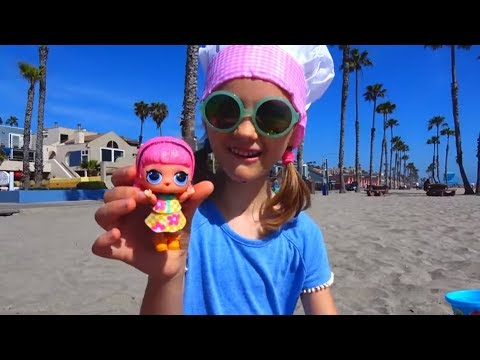 Polina Playing and Having Fun with Sand Molds Top Videos By Polina