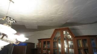 Укладка пенопластовой плитки на потолок(Лёгкий ремонт потолка преобразил его до неузнаваемости, дёшево и сердито. www.poll-decor.ru https://vk.com/remont_pola., 2015-10-19T15:39:49.000Z)