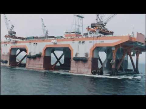 'Viking Piper' Co. 928 (1974) Semi submersible Pipelaying barge, Third Generation.