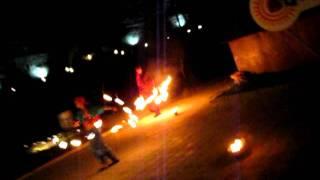 Вечернее файер-шоу на Празднике урожая в Абрау-Дюрсо.