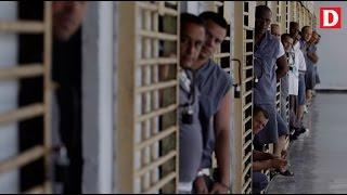 El régimen indulta a 787 presos y Silvio Rodríguez estrena una 'canción editorial'