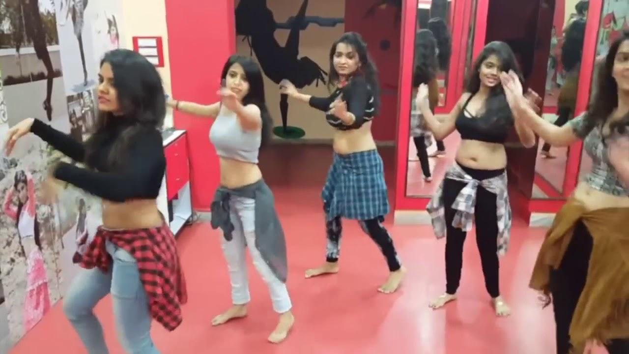 Sexy bangla song, sexy dance, dance in rain