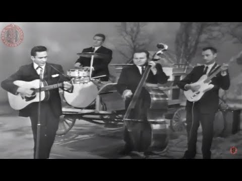 Johnny Cash And The Tennessee Three - Ring Of Fire