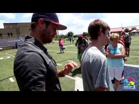 Dream Kid Sam meets his sports hero, Jay Cutler!