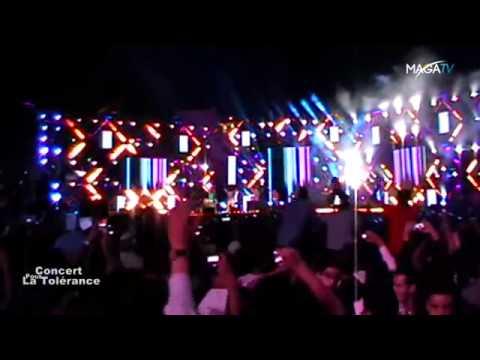 Cheb Khaled -C'est La Vie- Live au Concert pour la Tolérance Agadir maroc 2012 -
