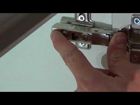 Регулировка мебельной петли с доводчиком самостоятельно. Как снять быстросъемную  петлю самому.