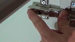 видео Петли для кухонных шкафов: как установить и отрегулировать
