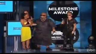 Justin Bieber Wins 'Milestone Award' at The Billboard Music Awards 2013