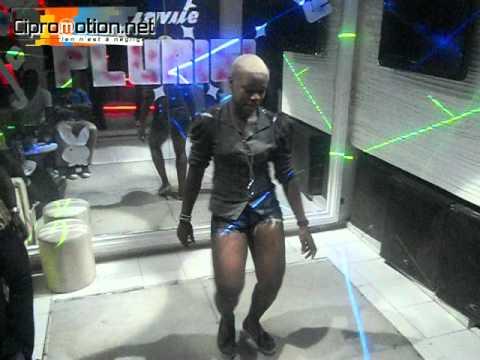 Demonstration de la nouvelle danse de Serge Beynaud par une de ses danseuse thumbnail
