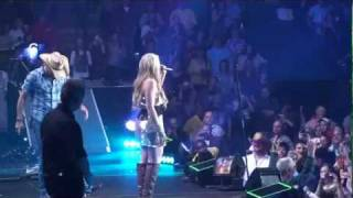 Jason Aldean w/ Lauren Alaina - Don't You Wanna Stay Live in Concert (HD)