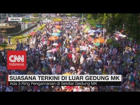 Situasi Terkini, Massa Mulai Berdatangan di Luar Gedung MK