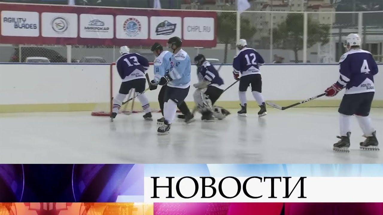 4 мар 2018. Участникам массового хоккейного турнира red bull шлем и краги многого для счастья не надо. Дайте только лёд, клюшку да стопку.