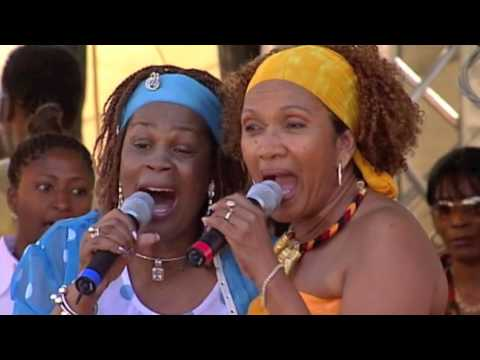 Judy Mowatt & Marcia Griffiths - Redemption Song (Live at Reggae On The River)
