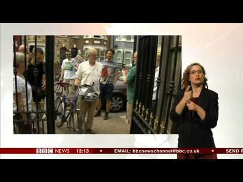 BBC News at One - 14 Aug. 2015  -  full BSL commentry