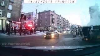 Сгоревший Hyundai на Маркса, Омск смотреть