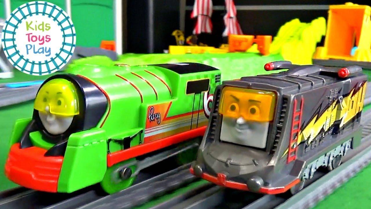 Thomas Big World Big Adventures Trackmaster Turbo Speed Train Races