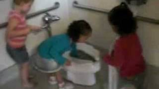 Toddlers Toilet-Paper