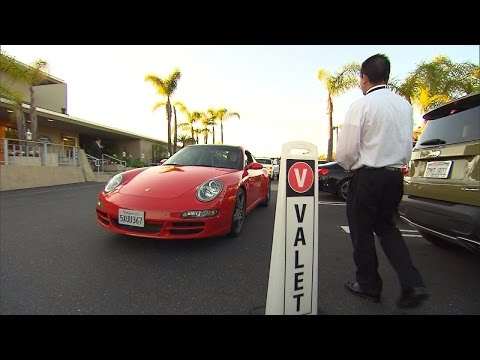 Watch Valet Drivers Hand Off Cars To People Who Don't Own Them
