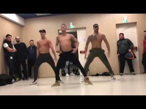 Grupo de Bailarinos faz sucesso nas redes sociais